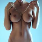 photo femme grosse poitrine nue dans le 066